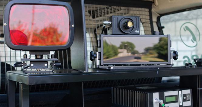 Fotoradar MultaRadar CM zabudowany na samochodzie